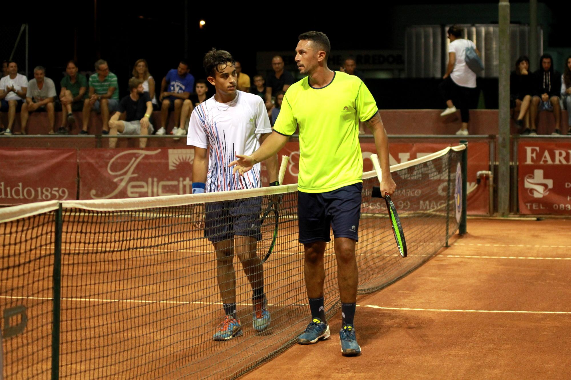 Dove giocare a tennis quando sei in vacanza in Salento - Circolo Tennis Maglie